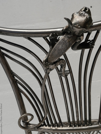 16 Family Chairs - Nature inspired Metal Art - supervolum