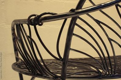 17 the singing bench- Nature inspired Metal Art - supervolum