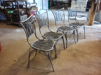 26 Family Chairs - Nature inspired Metal Art - supervolum